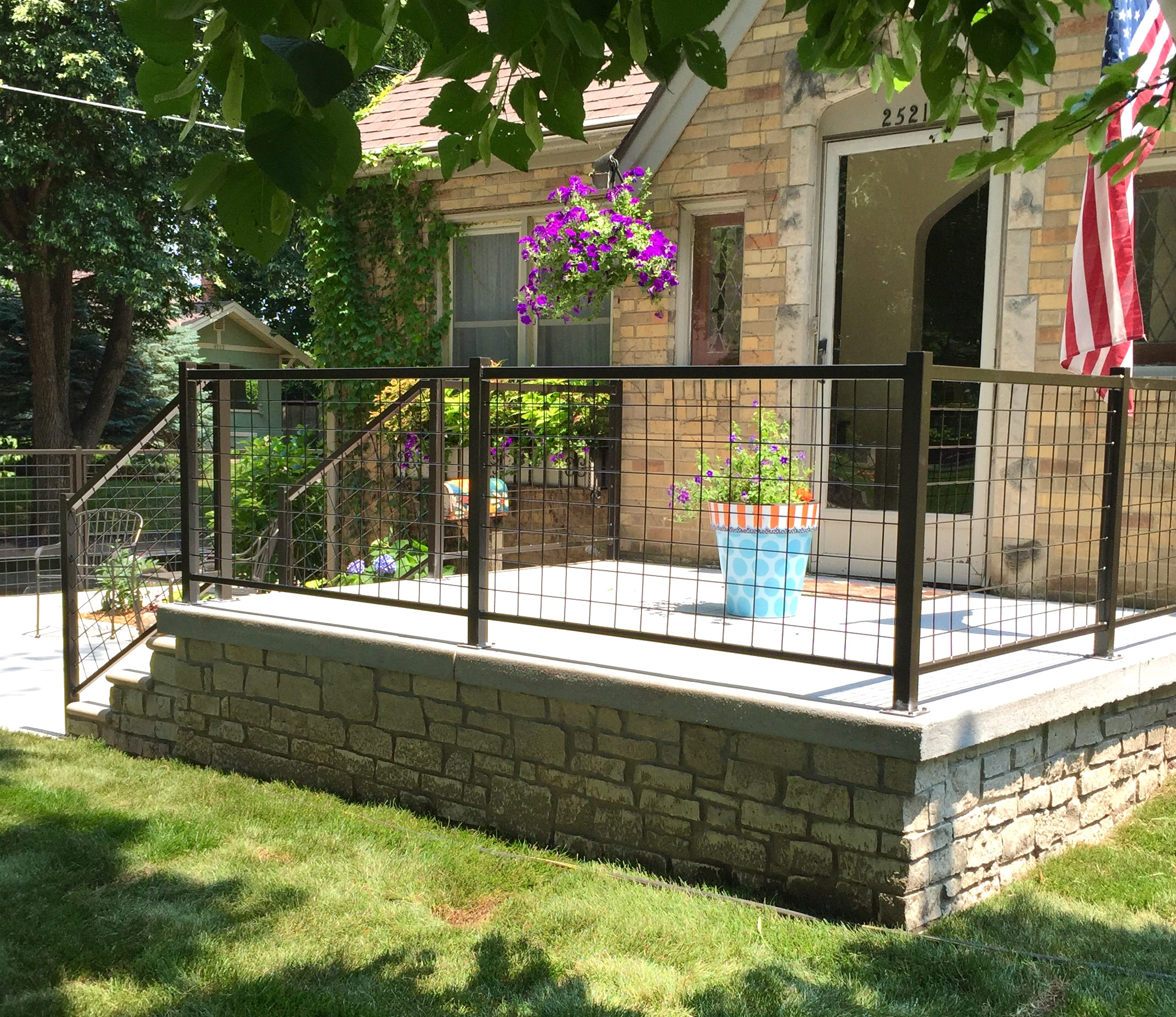 welded-wire-mesh-patio-railing-beaverdale-iowa-factor-fabrication-2015