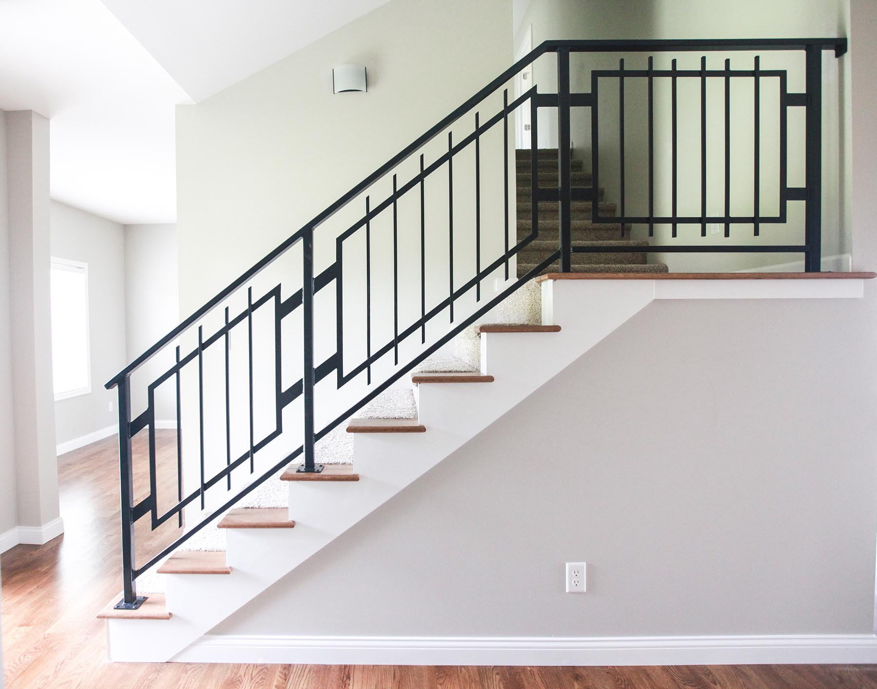 custom_projects_and_homes_swisher_iowa_custom_railing_overall_sm